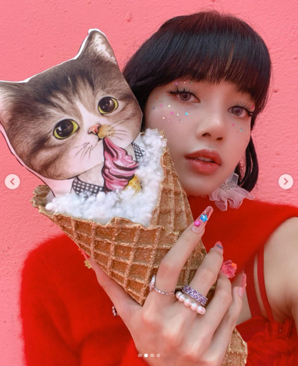 Lisa Bonet posted several photos of herself on Instagram on Jan.The photo shows Lisa Bonet posing in front of a pink wall and spewing charisma with an intense eye.YG Entertainment, a company affiliated with BLACKPINK, posted a video teaser of the Ice Cream dance performance on its blog and BLACKPINK Instagram on January 1.The full choreography of Ice Cream, which was not seen in the music video, can only be seen in the dance performance video released on February 2 through Zepheto.