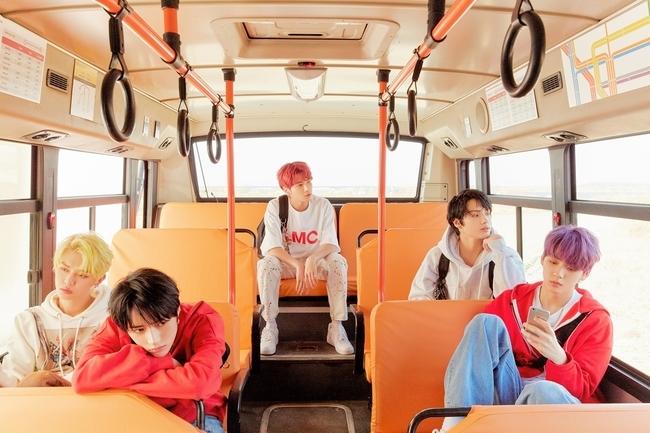 26일(월), 투모로우바이투게더(TOMORROW X TOGETHER) 미니 앨범 3집 'minisode1 : Blue Hour' 발매 | 인스티즈