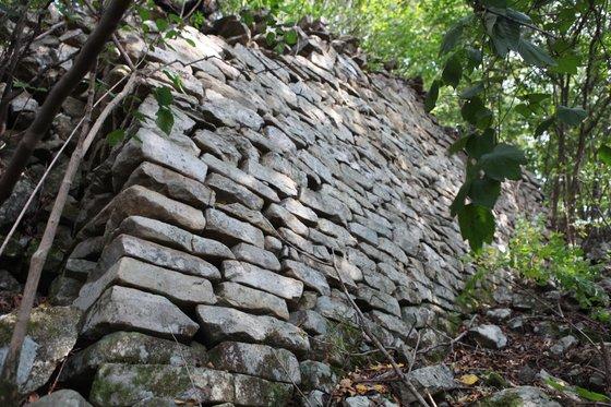 전북 시골에 2층으로 지어진 전통 한옥이 세워진 이유는?[빅브라더카지노 티월드? 토토]