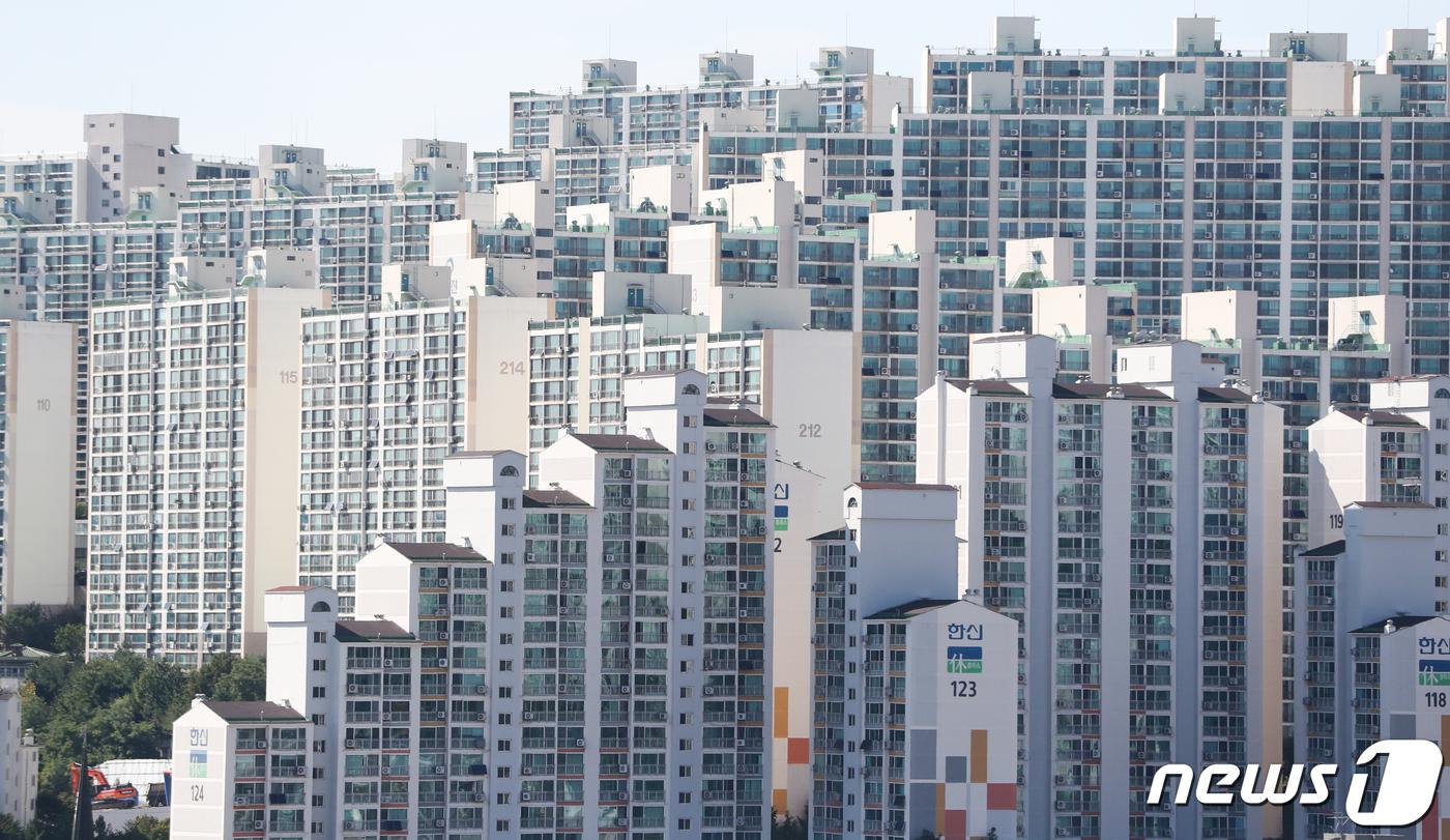 서울 강북의 한 아파트 단지. 2020.10.6/뉴스1 ⓒ News1 허경 기자