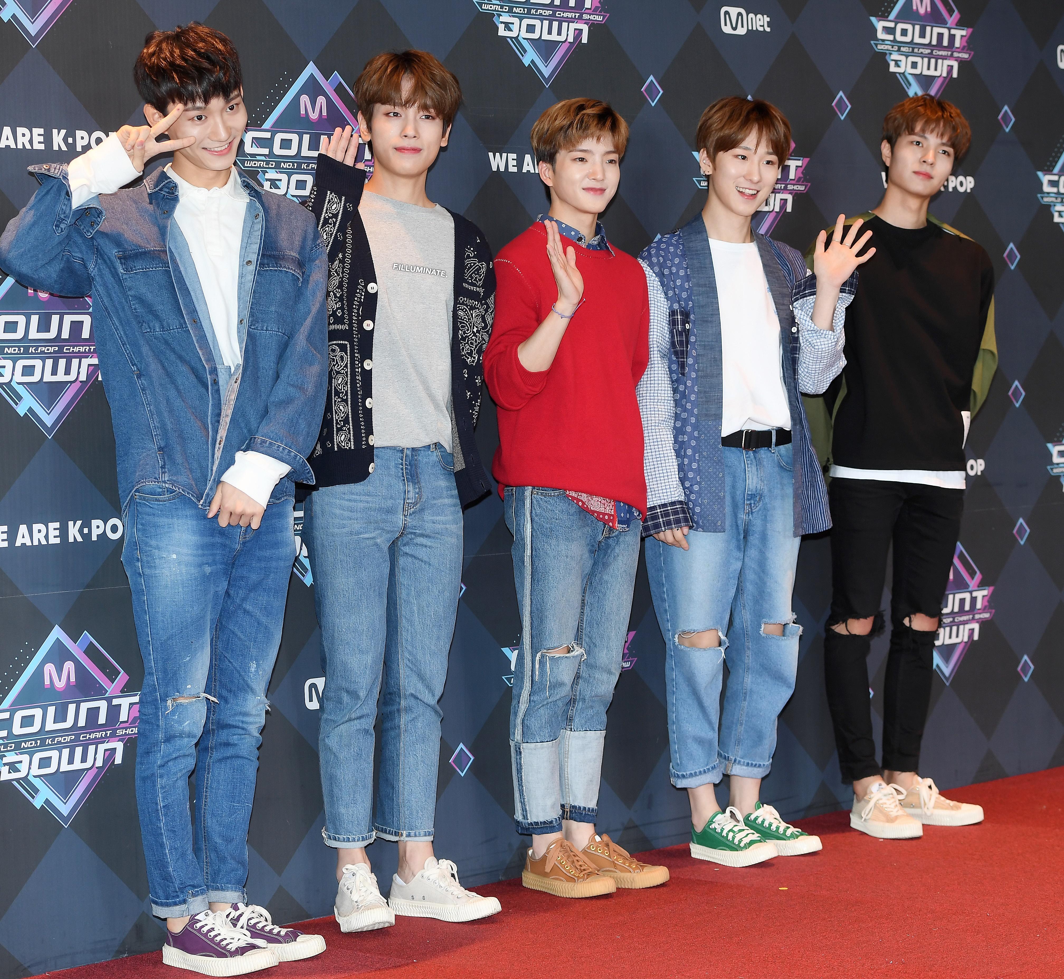 3일(월), W24 새 앨범 '어린 날' 발매 | 인스티즈