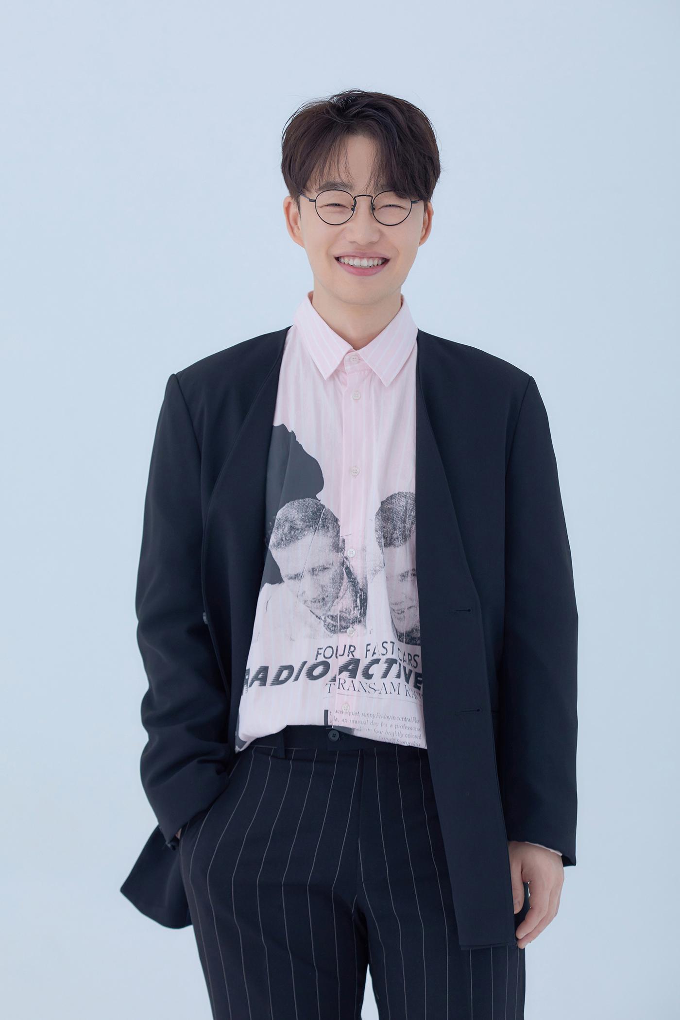 24일(월), 홍대광 싱글 앨범 '한 걸음씩 발맞춰서' 발매 | 인스티즈