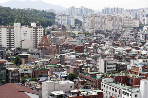 전셋값이 치솟자 보증금을 떼이는 사례도 늘었다. 사진은 서울 도봉구 창2동 전경. [매경DB]