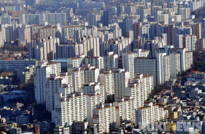 임대차법 시행 이후 서울 주요 아파트의 전·월세 계약 갱신 비율이 77.7%까지 올라갔다. / 사진=박효상 기자