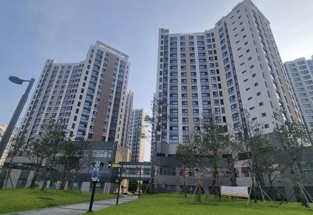 서울시 강동구 고덕동 인근의 한 아파트 전경 사진=이송렬 기자