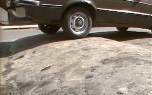 80년대 도로 자동차 방지턱