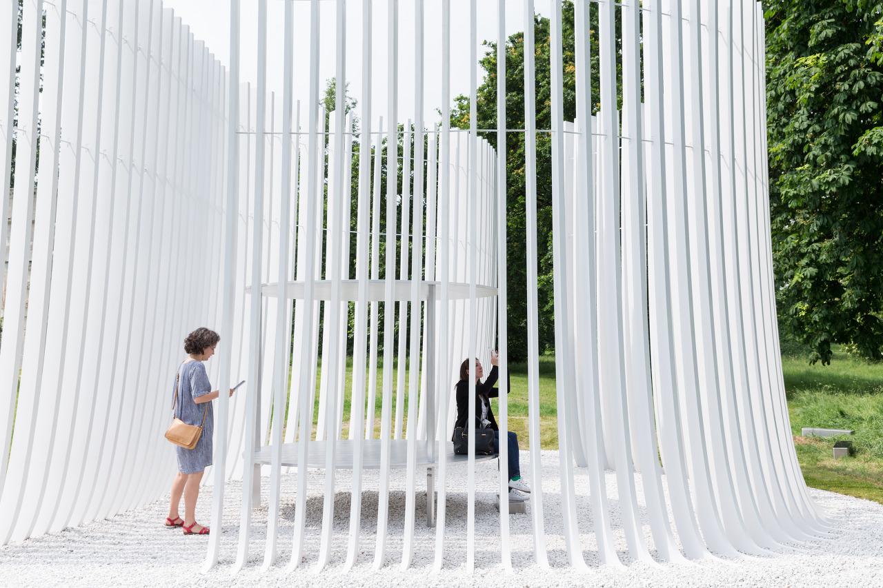 Serpentine summer house 2016 designed by asif khan 10 june 9