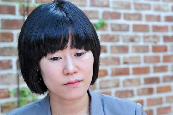 2013년 제37회 이상문학상 수상 작가 '김애란'