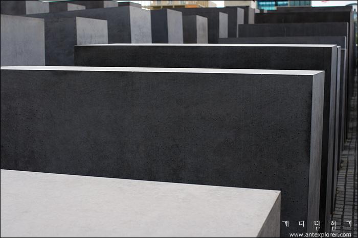 유럽의 유대인 학살 기억 조형물 (The Memorial to the Murdered Jews of Europe)