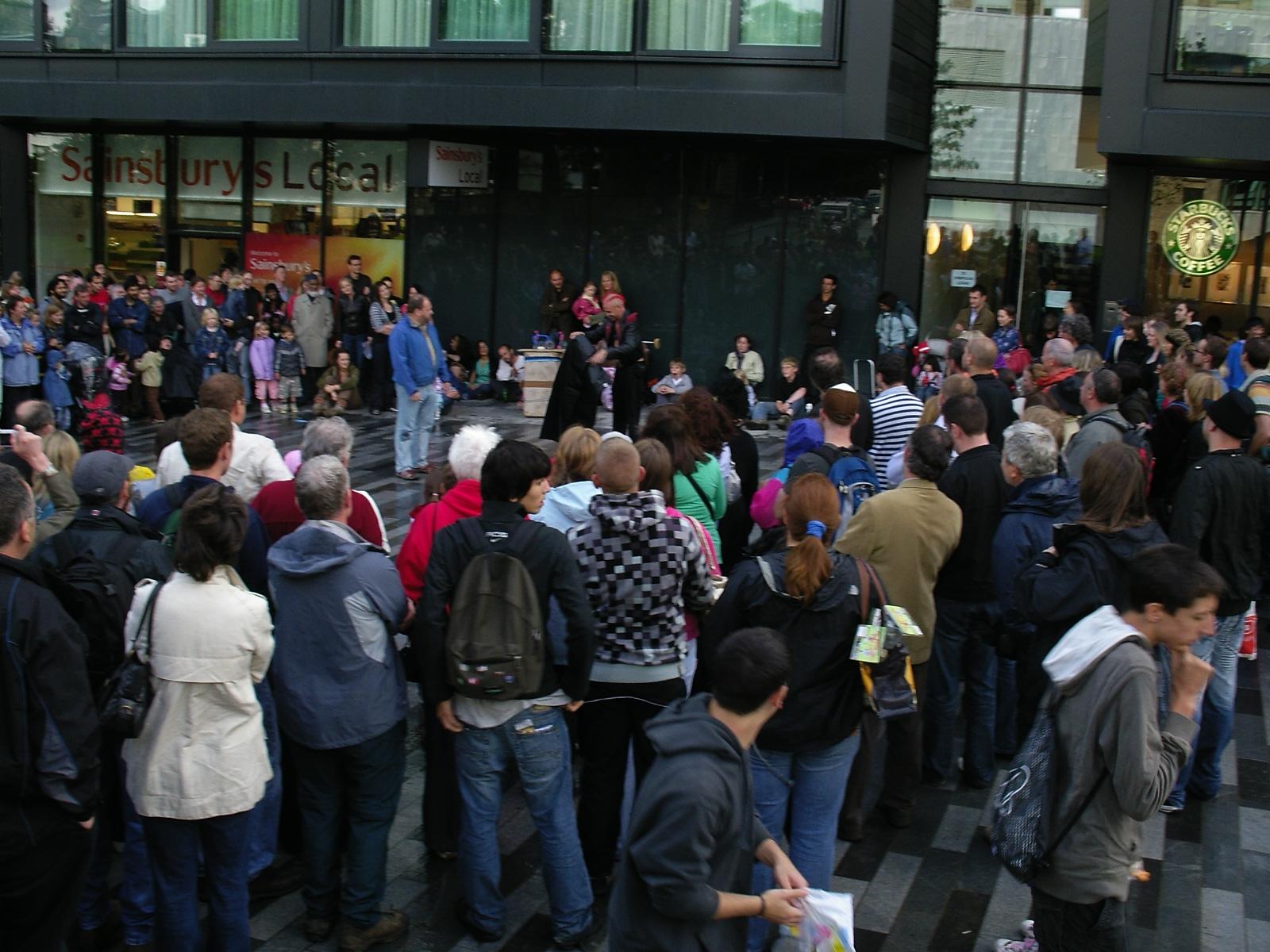 Street performance in front of Starbucks, Edinburgh, in Fringe Festival