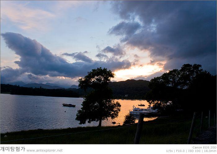 Windermere 호수의 노을